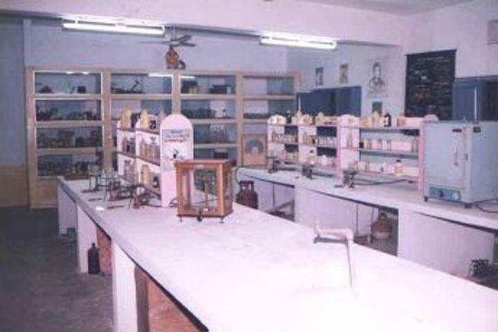 Sri Sathya Sai Gurukulam English Medium School-Science Laboratory