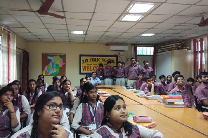 D A V Public School-Students Meeting