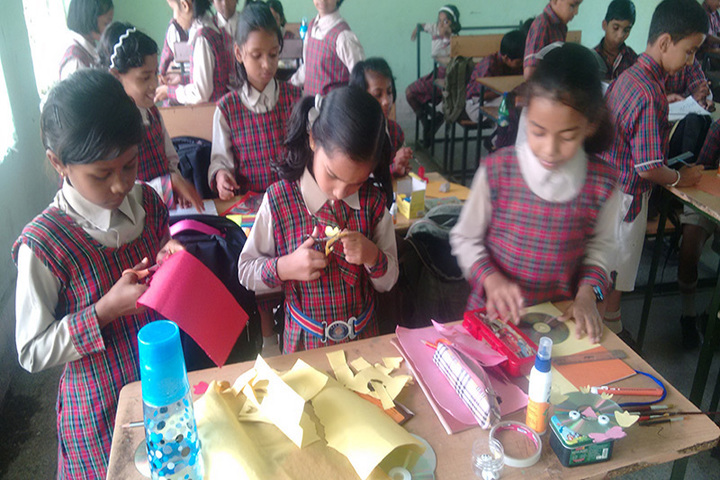 DAV Public School-Crafting