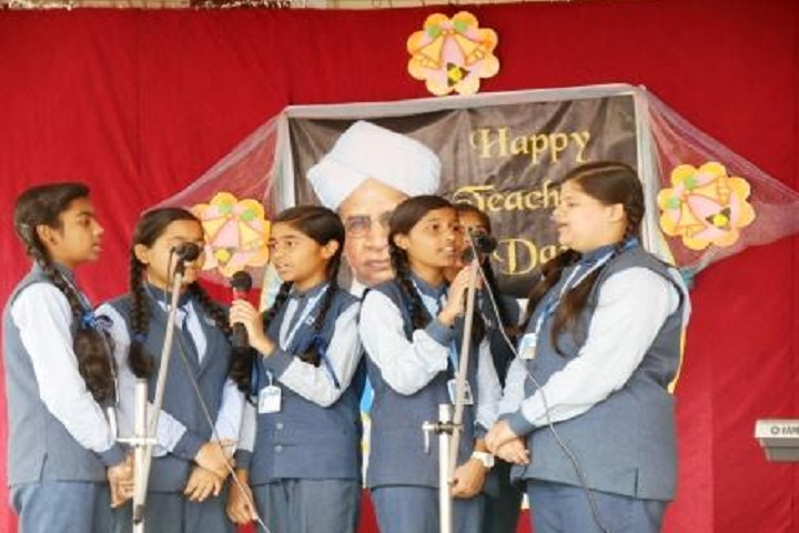 St MaryS English Medium School-Events singing