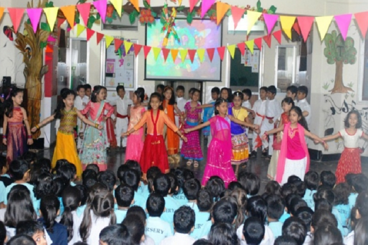 Sharada Mandir School-Events holi