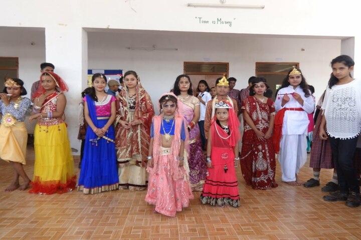 Dav Mukhyamantri Public School-Festive Celebrations