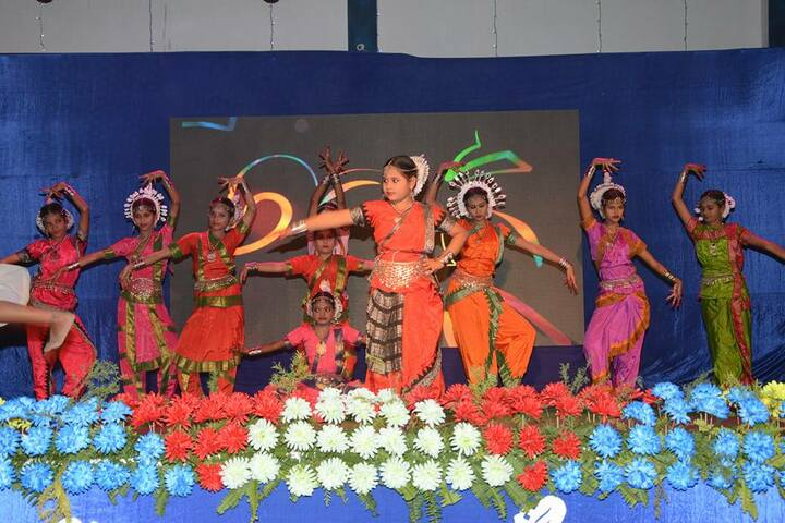 V S Public School-Dancing Activity