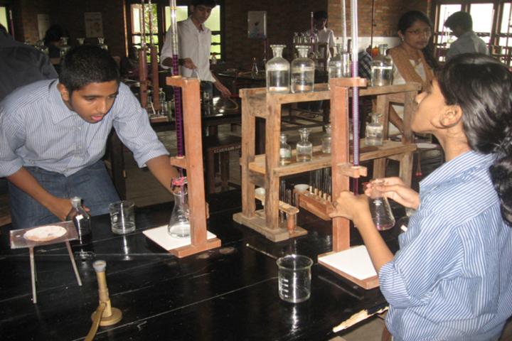 Pallikoodam-Physics Lab
