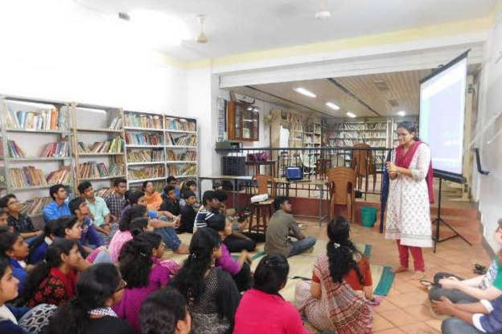 Sri Adwayananda Public School-Library