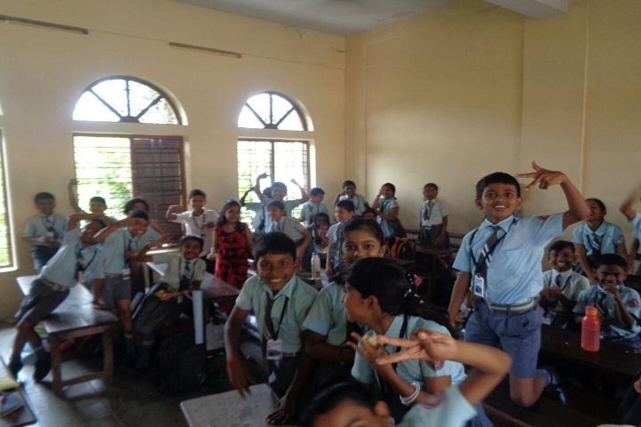 Mary Giri Vidya Mandir-Classroom