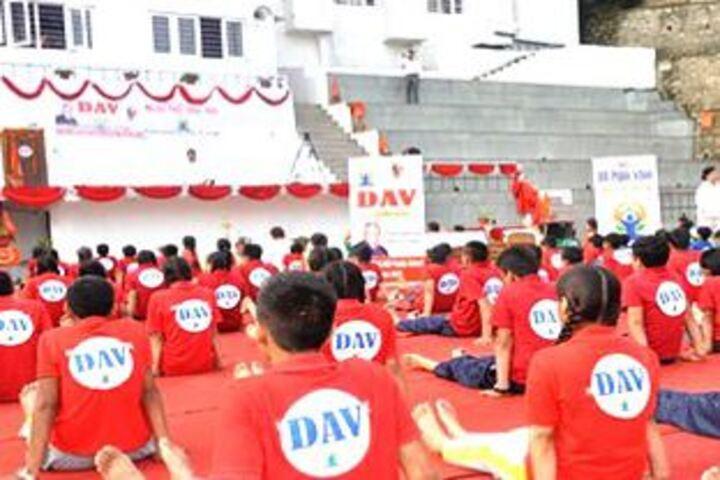 DAV Mukhyamantri Public School-Yoga Day Celebrations