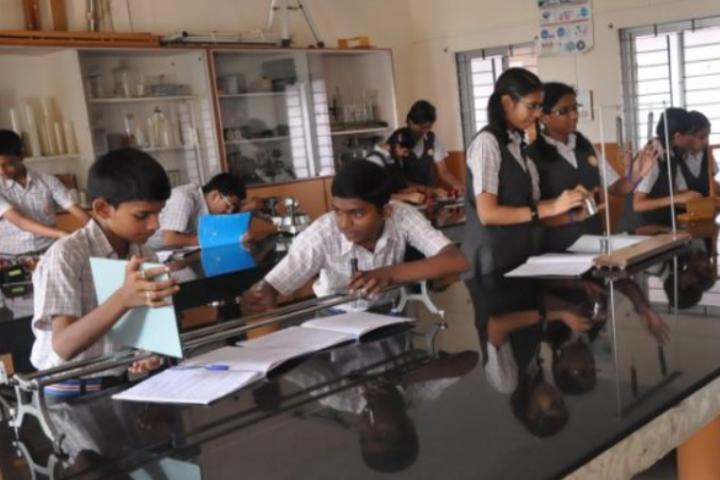 Sri Siddhi Vinayaka Residential School-Physics Lab