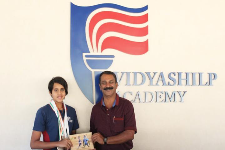 Vidyashilp Academy-Prize Distribtion