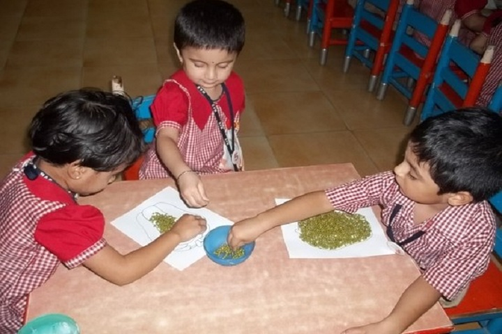The Sudarshan Vidya Mandir-Junior Activity