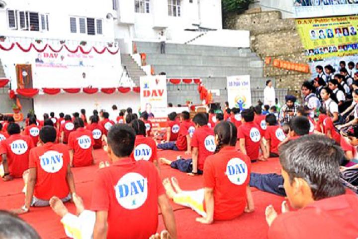 Dav Mukhyamantri Public School-Yoga day