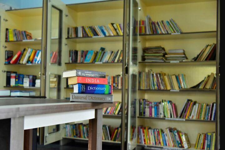 Twinkle United Public School-Libraray