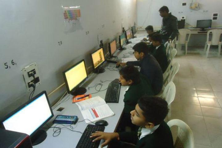 Rani Laxmibai Public School-Computer Lab