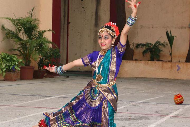 Queen Mary School-Traditional Dance