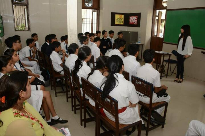 The Scholar High School-Classroom