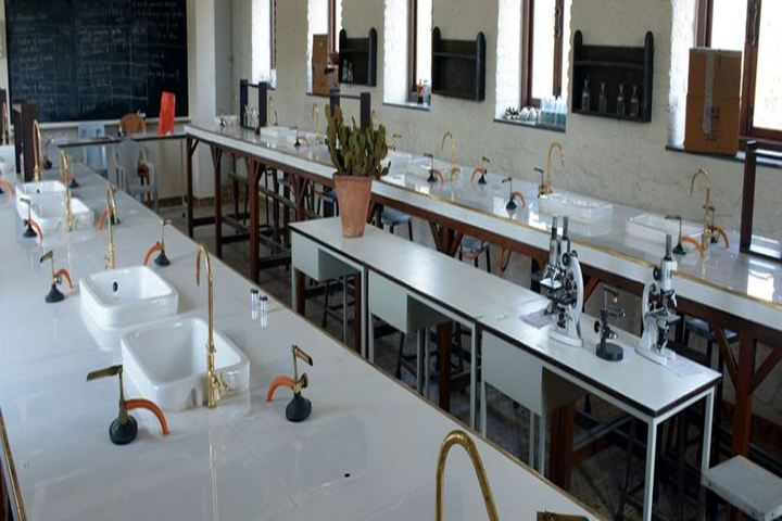 Barnes School and Junior College-Chemistry Lab