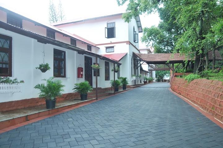 St Peters School-Entrance