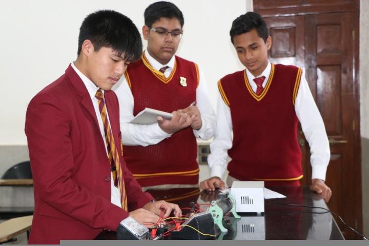 St Peters School-Physics Lab