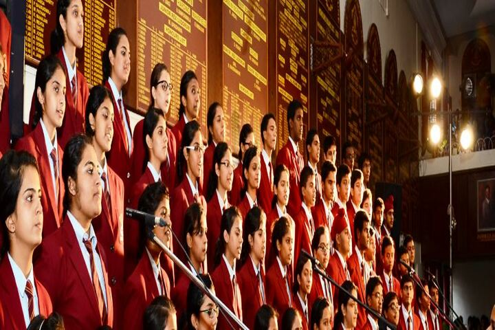 The Bishops School-Singing