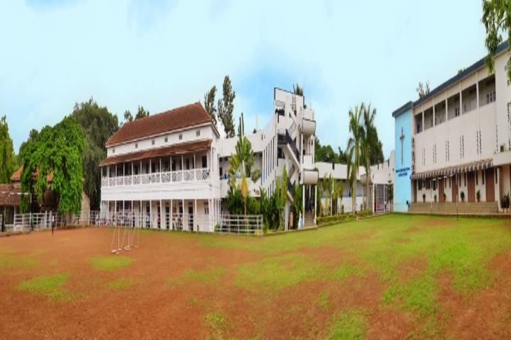 Hutchings High School and Junior College-Campus View