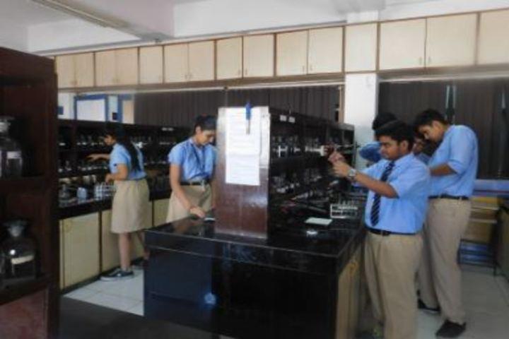 Smt Lilavatibai Podar High School-Chemistry Lab