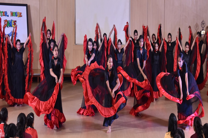 Hiranandani Foundation School-Dance