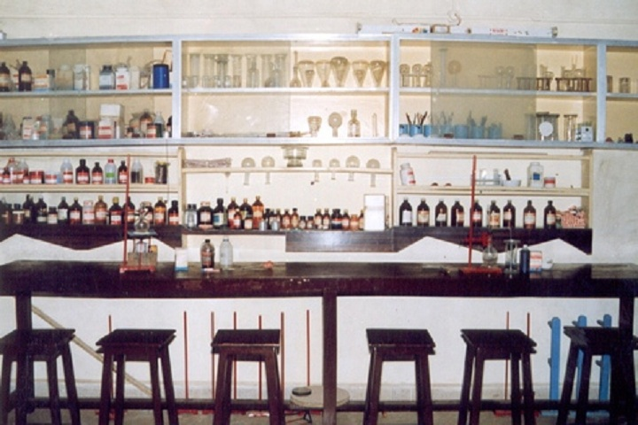 Pinewoods International High School-Chemistry Lab