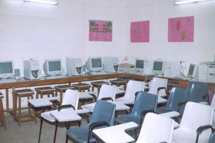 Pinewoods International High School-Computer Lab