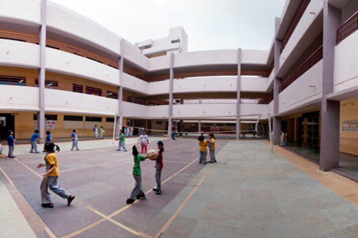 North Point School-Throw Ball