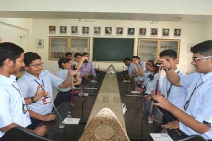 Fravashi Academy-Lab