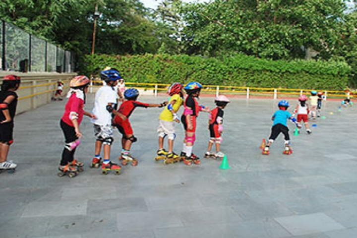 Fravashi Academy-Skating