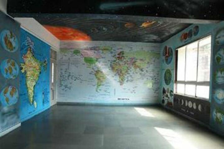 Sadhu Vaswani International School-Geography Room