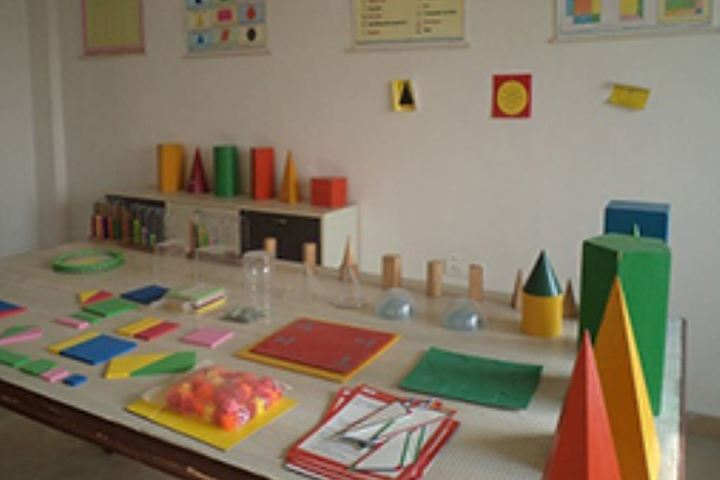 Delhi Public School Kawardha-Arts Room