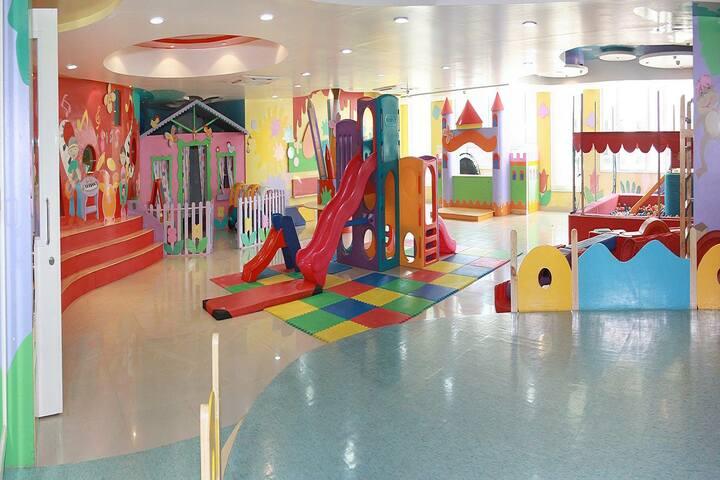 Goldcrest High-Activity room
