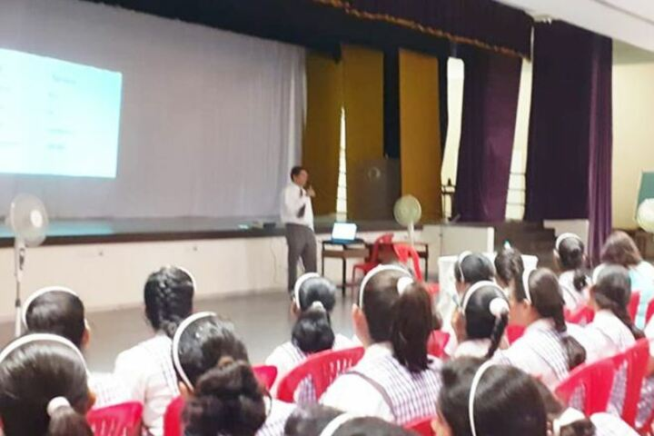 Wisdom World School-Seminar