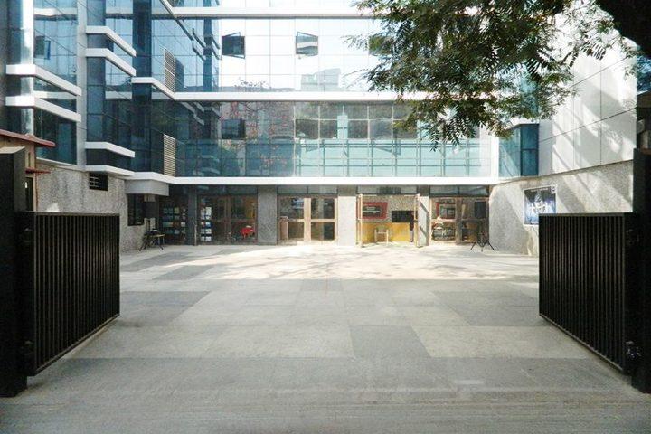 Universal High School-Campus