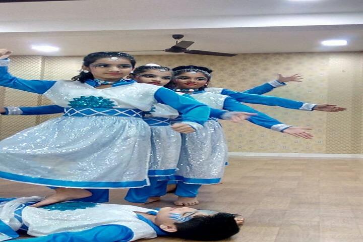 Kohinoor International School-Dance