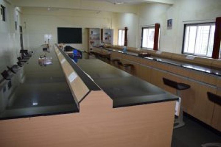 Dr Mar Theophilus School-Physics Laboratory
