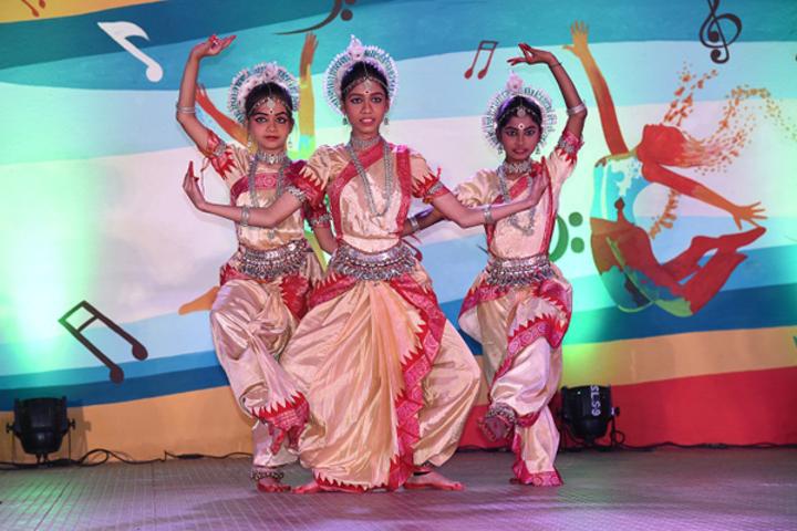 Saint Arnolds School-Traditional Dance