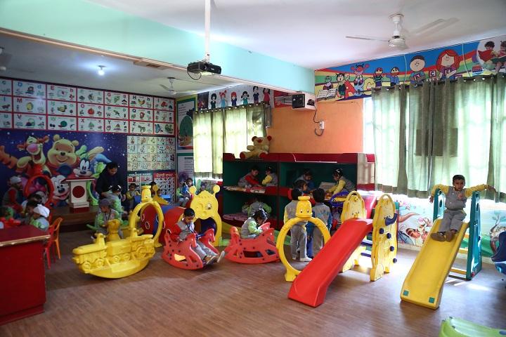 Gobind International Public School-KG Kids Playing