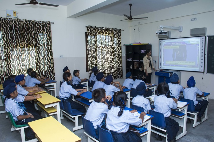 U K International School-Classroom