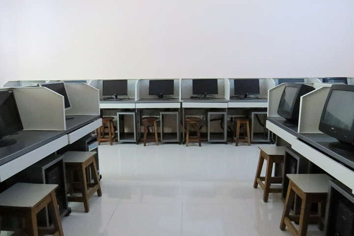 Holy Innocents School Junior College-Computer Lab