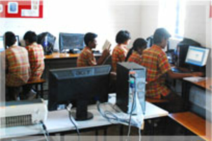 Abacus Montessori School-Computer Lab