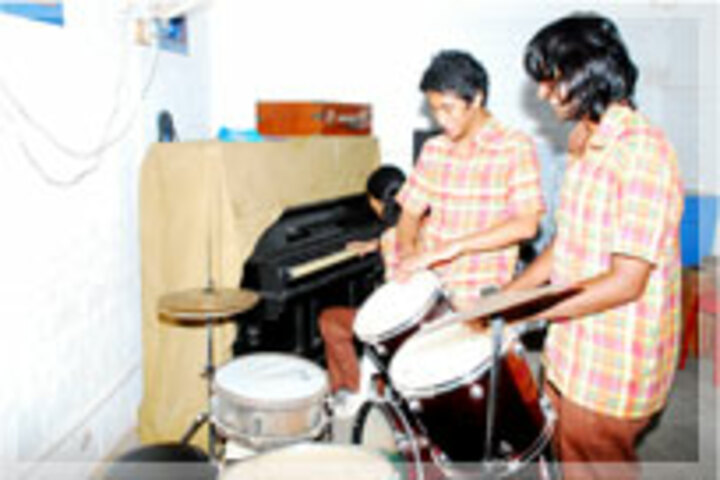 Abacus Montessori School-Music