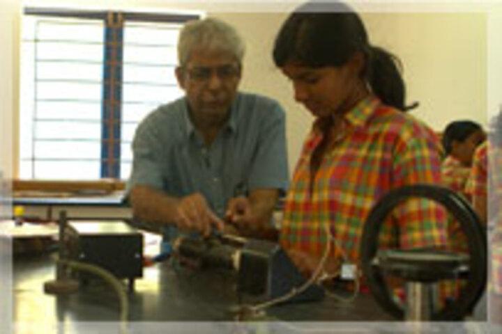 Abacus Montessori School-Physics Lab