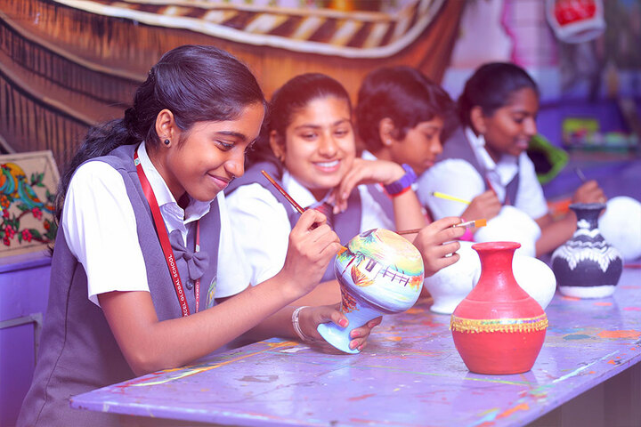 Excel Central School-Pot Painting