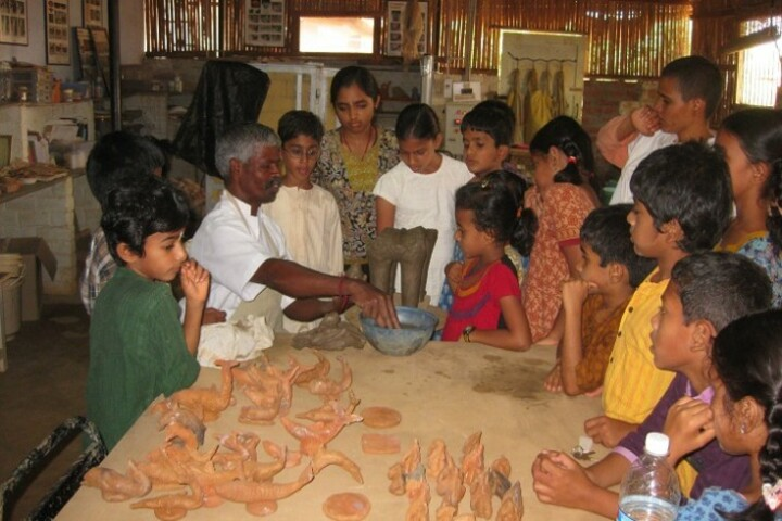 Isha Home School-Art And Craft