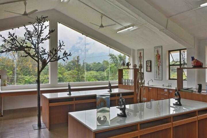 Isha Home School-Biology Lab