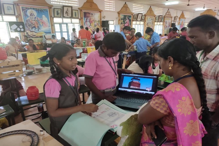 Shri Vijayalakshmi Vidhyalayaa International School-School Exhibition