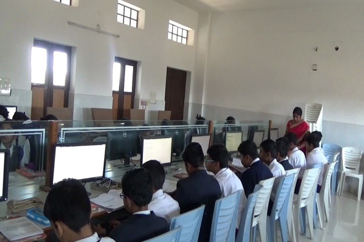 St Pious X School-Computer Lab